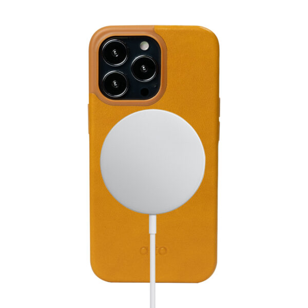iPhone 13 Pro Protective Leather Case With MagSafe - Brown